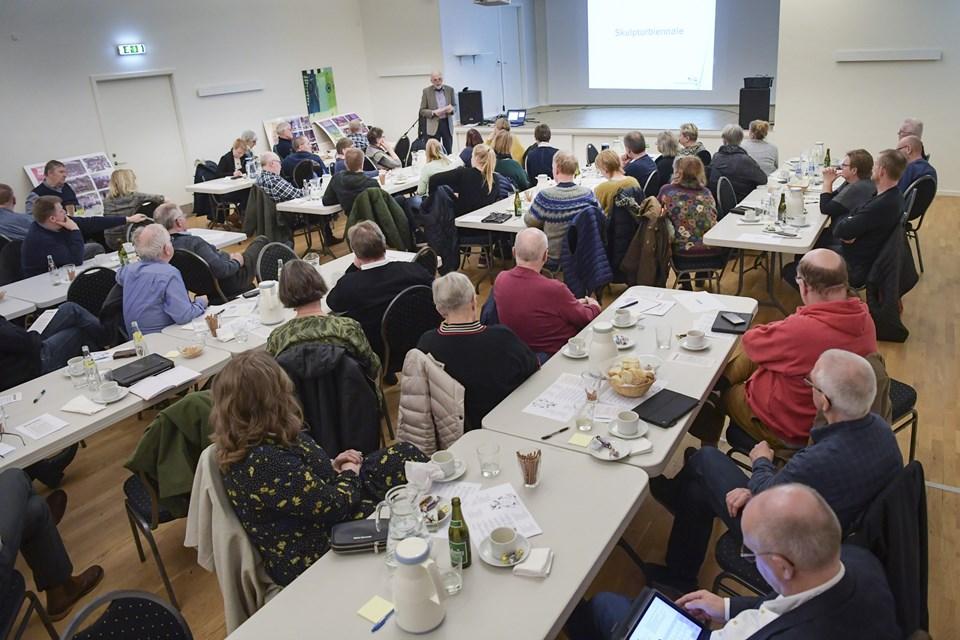 Kulturprisen blev uddelt i Samlingshuset i Ø. Brønderslev. Foto: Michael Koch