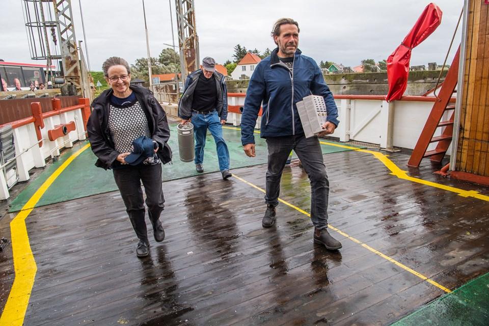 Tirsdag var der glæde hos de frivillige i Næssundfærgens Venner - på grund af den kommunale opbakning. F.v. Jenny Jepsen, Preben Sørensen og Henrik Olsen. Foto: Diana Holm