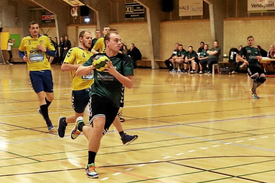 I håndbold-herrernes match mod Skalborg SK tabte Gandrup/Holtet (grønne bluser) 15-18. Foto: Allan Mortensen