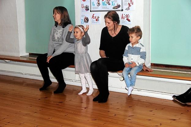 Et par af forældrene var bænkevarmere. Foto: Hans B. Henriksen Hans B. Henriksen
