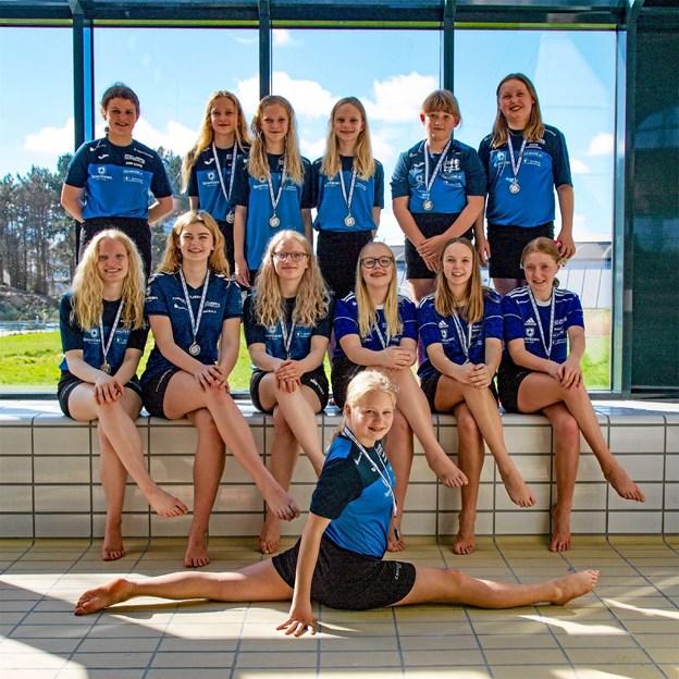 Masser af smil og medaljer fra Thisteds Kunstsvømmere var til stort stævne. Foto: Ole Iversen