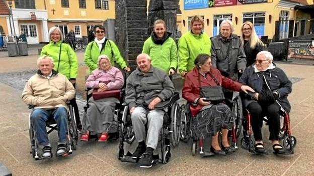For nylig drog beboere og personale på Blåbærhaven på ferie i Nordjylland, hvor man blandt andet besøgte Skagen. Privatfoto