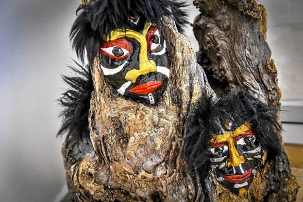 Marianne Bislevs masker fylder et helt rum. Foto: Ole Iversen