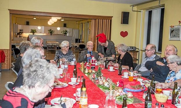 Der var alt hvad hjertet kunne begære på det julebord, torsdags cafeen præsenterede i Byens Hus i Løgstør. Foto: Mogens Lynge