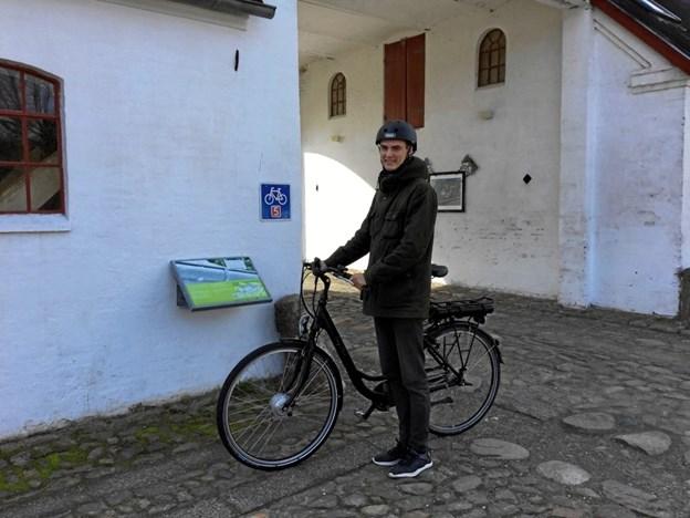 Hvis du vil låne en el-cykel i en testperiode, så send en mail til energibyen@frederikshavn.dk, som holder til på Knivholt.