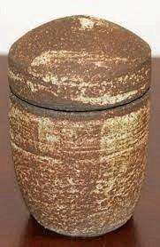 En af keramiker Kirsten Larsens udstillede krukker i Kig Ind. ?Privatfoto
