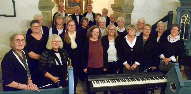 Landsbykoret i St. Brøndum - glæder sig til årets julekoncert, som i år er programsat til 11. december.  Privatfoto