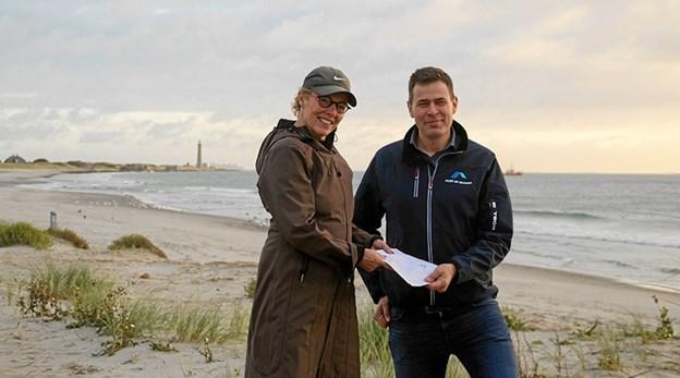 Mette Hust - formand for Skagen Vinterbaderklub og Mikal Nielsen, Skagen Havn.Privatfoto