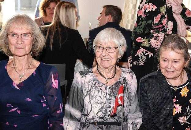 Karen i selskab med sine døtre - Jytte og Gitte. Foto: Bent Bach Bent Bach