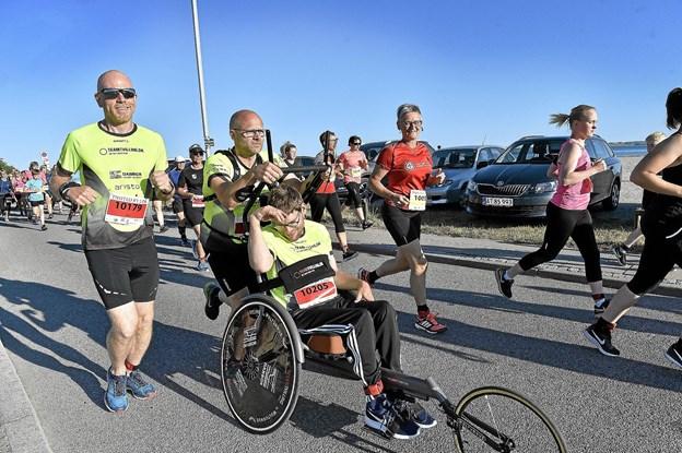 Jonas Krogh, Team Tvilling, blev fulgt af Klaus Hove fra Thy Triathlon Klub. Foto: Ole Iversen