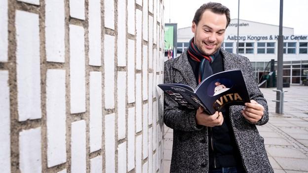 Når Evita har Aalborg-premiere på torsdag, er det med 26-årige Jonas Østergaard i en lang række roller. Foto: Torben Hansen