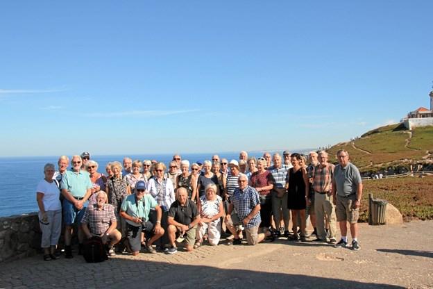 Selskabet fra Ældre Sagen Hobro besøgte det vestligste punkt på det europæiske kontinent, Cabo da Roca, hvorfra der er en fænamonal udsigt over Atlanterhavet og kysten. Privatfoto