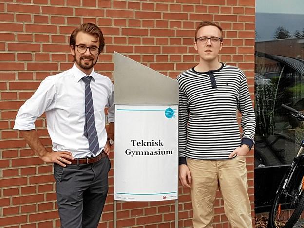 Michael Tørngren Henriksen (tv), cand.polyt i nanobioteknologi og ph.d. i biomedicin, og Patrick Bøgsted Sørensen, cand.scient i fysik og datalogi, er nye lærere på Teknisk gymnasium Aars. Privatfoto