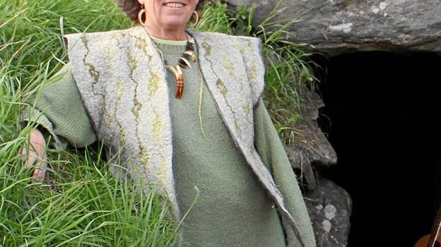 """Hanne Methling - giver 2. juli """"Jættestuekoncerter"""" i Ertebølle med musik inspireret af jæger- og bondestenalderen. Privatfoto"""