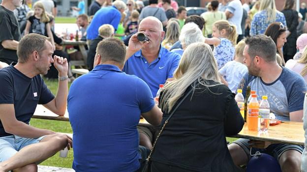 Borgerforeningen regner med, at der var op mod 400 deltagere ved Sankt Hans, når man tæller forældre          og bedsteforældre med. Foto: Bent Bach BENT BACH