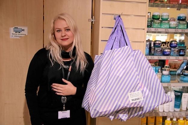 Der var flotte goodiebags hos Matas til de første 45 kunder som handlede for minimum 200,- kroner torsdag morgen. Foto: Flemming Dahl Jensen Flemming Dahl Jensen