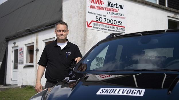 Jimmy Madsens historie startede med, at han grundlagde en køreskole i Gøttrup. Nu er han og hans firma tilbage i Fjerritslev.