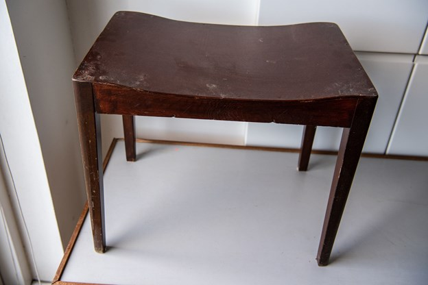 Dan Bruun giver nyt liv til kasserede møbler.