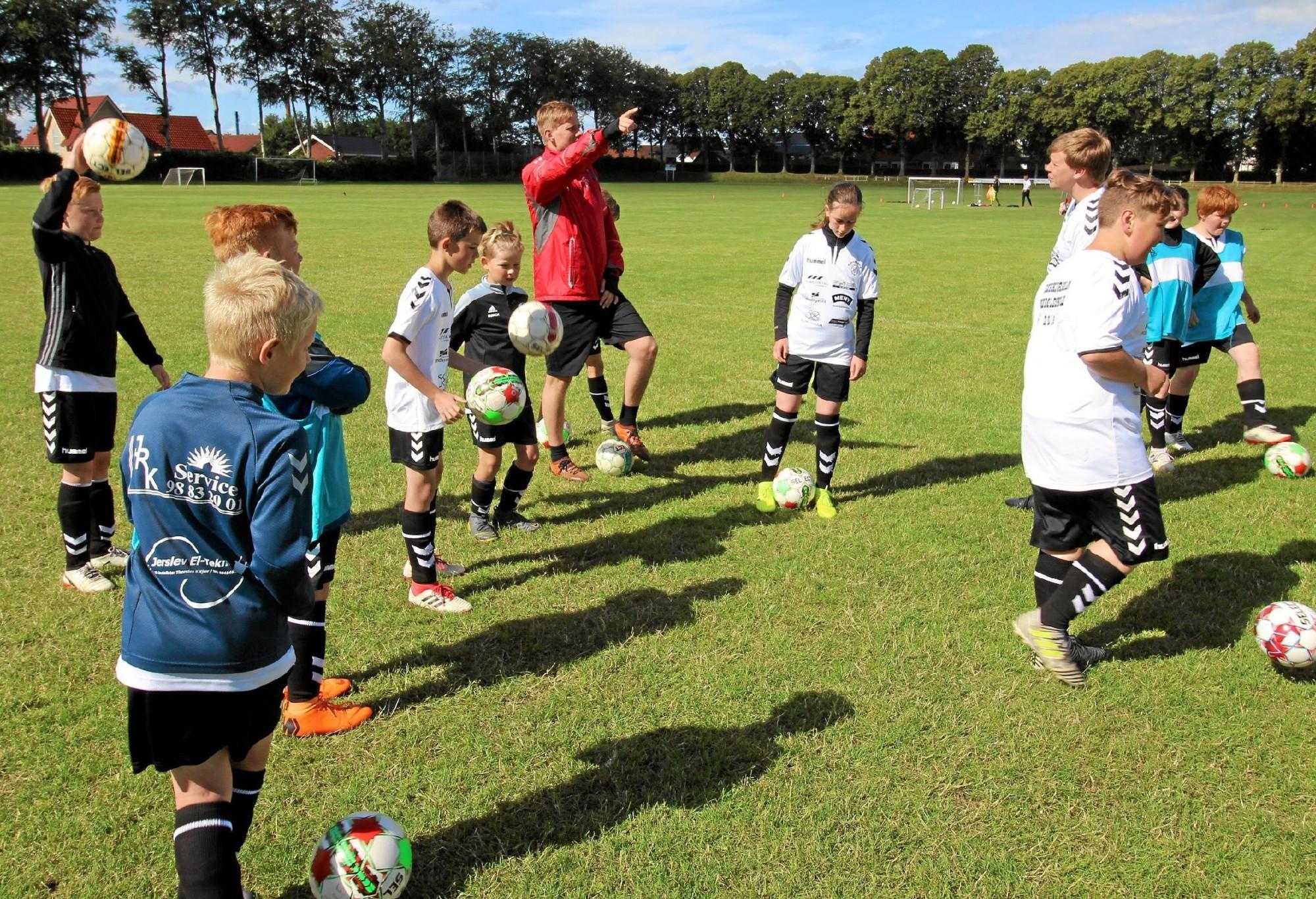 sjove fodbold lege