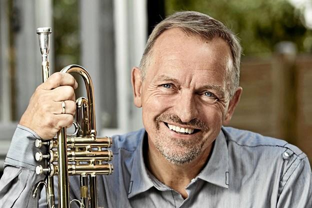 Trompetist Per Nielsen giver 20. december julekoncert i Hals Kirke. Foto: Allan Mortensen