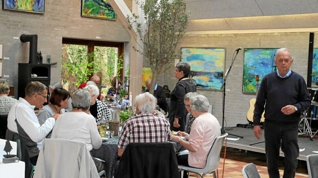 Der serveres mad til den årlige generalforsamling. Foto: Flemming Dahl Jensen Flemming Dahl Jensen