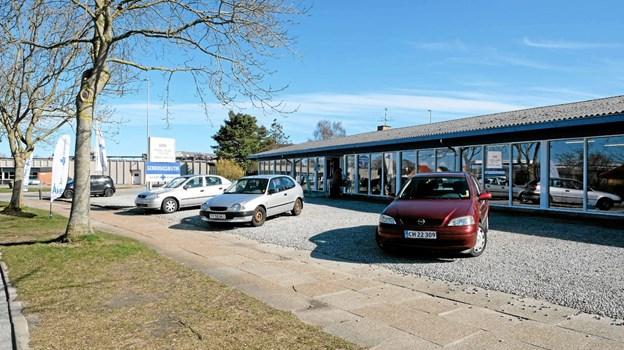 Blå Kors Genbrug på Sønderbro i Bindslev er en moderne butik på 1300 kvadratmeter. Der handles med alt lige fra små nipsgenstande til store fine møbler. Foto: Niels Helver