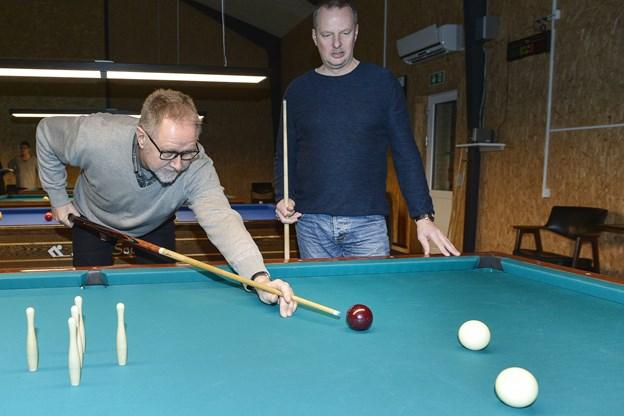 Formand Finn Larsen og Claus Heidemann glæder sig over, at klubbens lokaler skal bruges til DM i april. Arkivfoto: Bent Bach