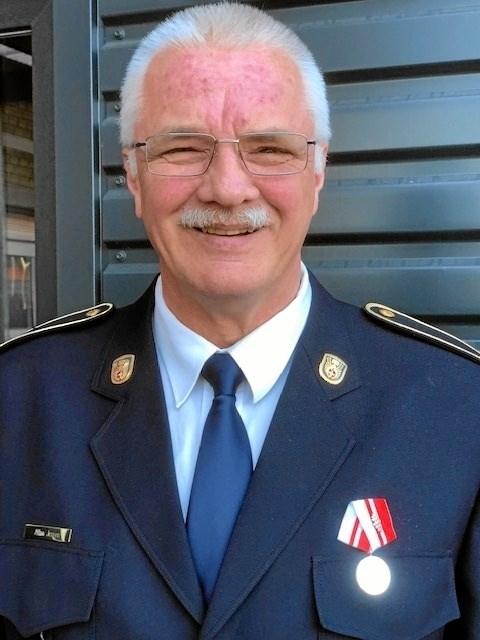 Allan Juul Jensen med det kongelige hæderstegn. Privatfoto