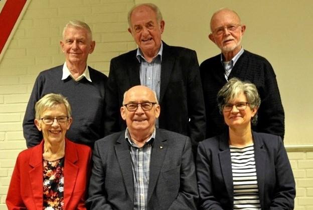Bestyrelsen anno 2019, bagerst fra venstre: Henning Andersen, Kurt Mortensen og Svend Otto Jacobsen og siddende Sonja Svejstrup, Niels Aage Nielsen og Lise Dam Rasmussen. Foto: privat.
