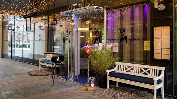 Efter en glad nat i Aalborg kan du nu rulle direkte op i dynerne. Mortens Kro udvider med hotelværelser. Arkivfoto: Peter Broen