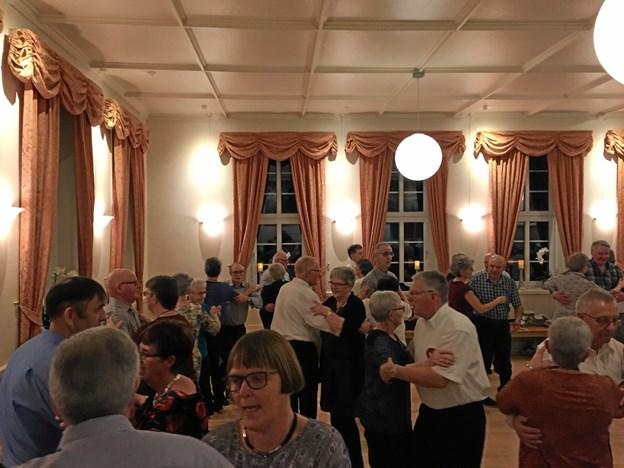 Dansen i Døstrup Forsamlingshus ville ingen ende tage. Privatfoto