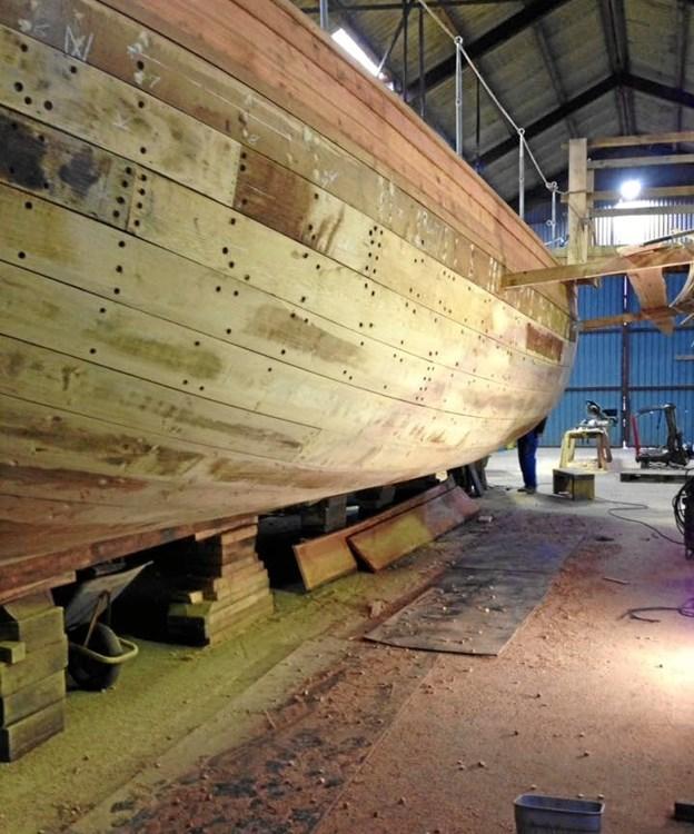 Arbejdet med restaureringen er langt fremme – ydre klædning er helt på plads, og også indenbords er apteringen tæt på at være helt færdig.