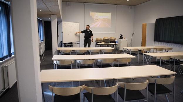 - Vi er meget glade for de nye lyse lokaler, fortæller Jimmy Madsen. Foto: Mette Nielsen