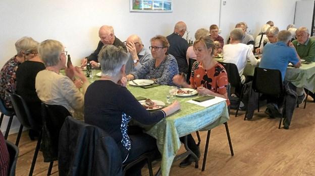Derefter frokost og kage i Multiforum i Vebbestrup. Foto: Privat Privat
