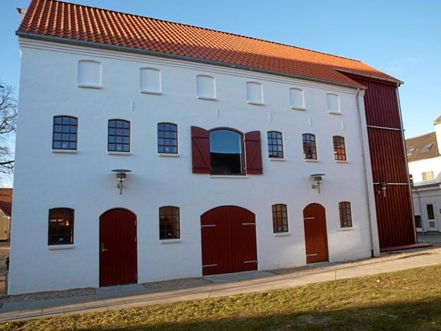 Der er julemarked i både i sydhuset og Rugbrødsbageriet her, og samtidigt kan man komme ind og se, hvordan huset er blevet indrettet.
