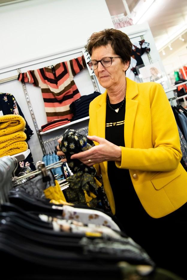Thea Gravesen har været i butikken i 45 år. Foto: Diana Holm