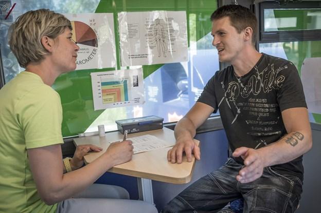 I anledning af Men's Health Week er Frederikshavn Sundhedscenter rykket ud på genbrugspladsen