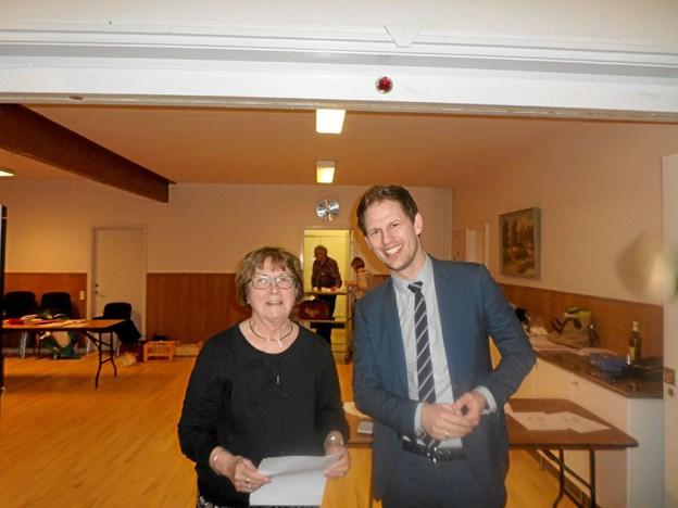 Formanden for den lokale vælgerforening, Karen Petersen, får igen besøg af blandt andet rådmand Mads Duedahl, når der holdes generalforsamling på Klarup Kro 5. februar. Foto: Kjeld Mølbæk