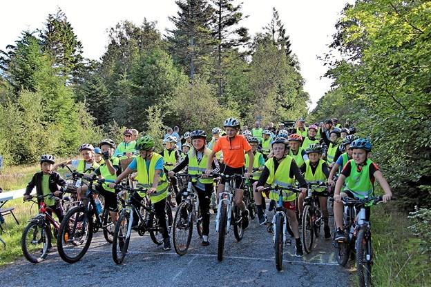 Så gik starten, og så var det bare om at træde i pedalerne.Foto: Hans B. Henriksen