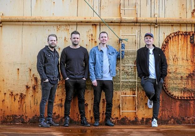 30. marts kl. 13:00 markerer gruppen Grandfætters udgivelse af ny plade med koncert i Hanstholms auktionshal. Privatfoto