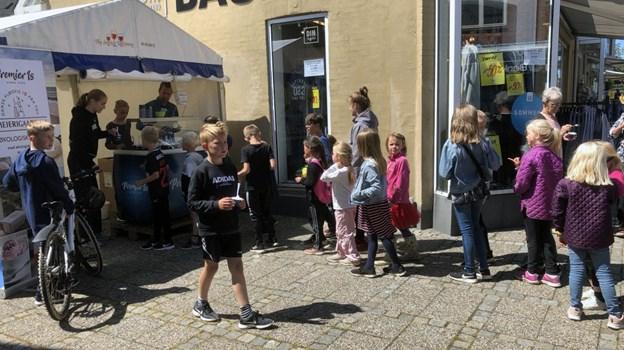 Børnene blev belønnet med en is. Foto: Carsten Hougaard