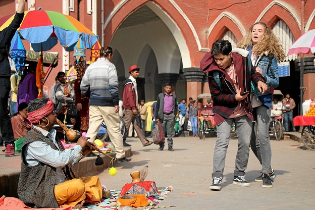 En scene fra Iqbal og Den Indiske Juvel.