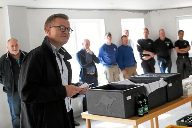 Direktør i Sundby-Hvorup Boligselskab, Jens Erik Grøn roste blandt andet håndværkere, arkitekter for indsatsen. Foto: Allan Mortensen Allan Mortensen