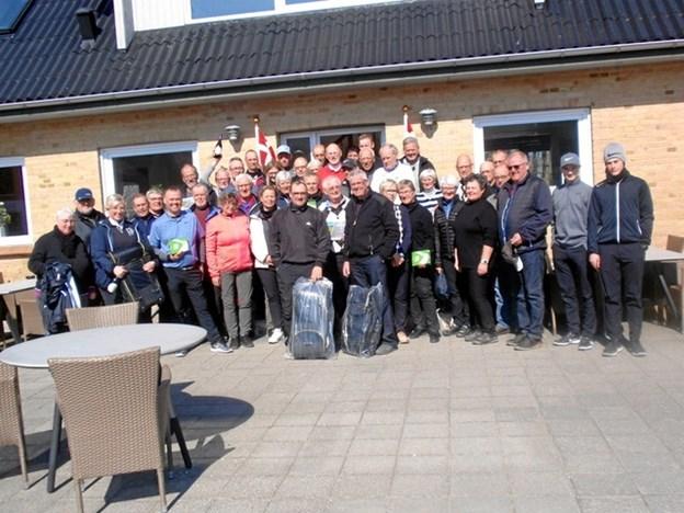 Alle matchdeltagerne samlet efter årets Green2Green-match i Løgstør Golfklub. Privatfoto