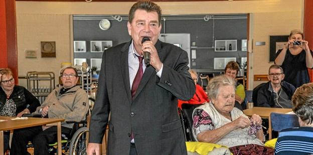 Musik, som beboerne husker og kender. En god eftermiddag for Røde Kors Hjemmets beboere. Foto: Mogens Lynge Mogens Lynge