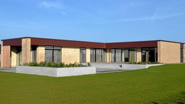 Skelbakken 73, som har 229 kvm. bolig og 77 kvm. udhus/garage, er et yderst vellykket og smukt eksempel på moderne boligarkitektur, og komitéen anbefaler bygningen præmieret også på grund af materialevalg og de fine arkitektoniske detaljer. Privatfoto privatfoto