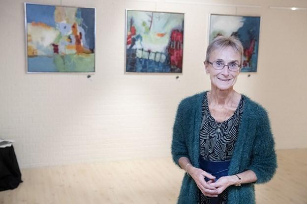 Kulturekspressens næstformand Anette Ingeborg ser frem til kunstudstillingens fernisering på lørdag.
