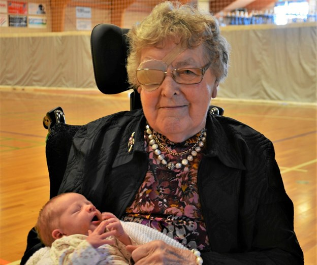 Else og Alma har sammen skrevet familiehistorie. Mellem dem er der 98 andre i familien Sørensen. Foto: Jesper Bøss Jesper Bøss