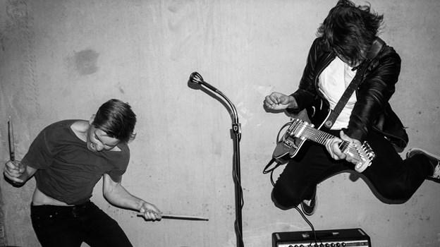 Long Line Down er Anders Holm på trommer og vokal og Martin Christensen på guitar. Privatfoto