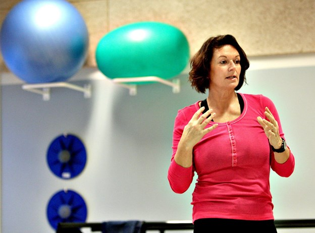 Dorthe Lykke Olesen fra LOF og Hjerteforeningen - her i anden sammenhæng - styrer vanebryder kurserne. Arkivfoto: Michael Koch